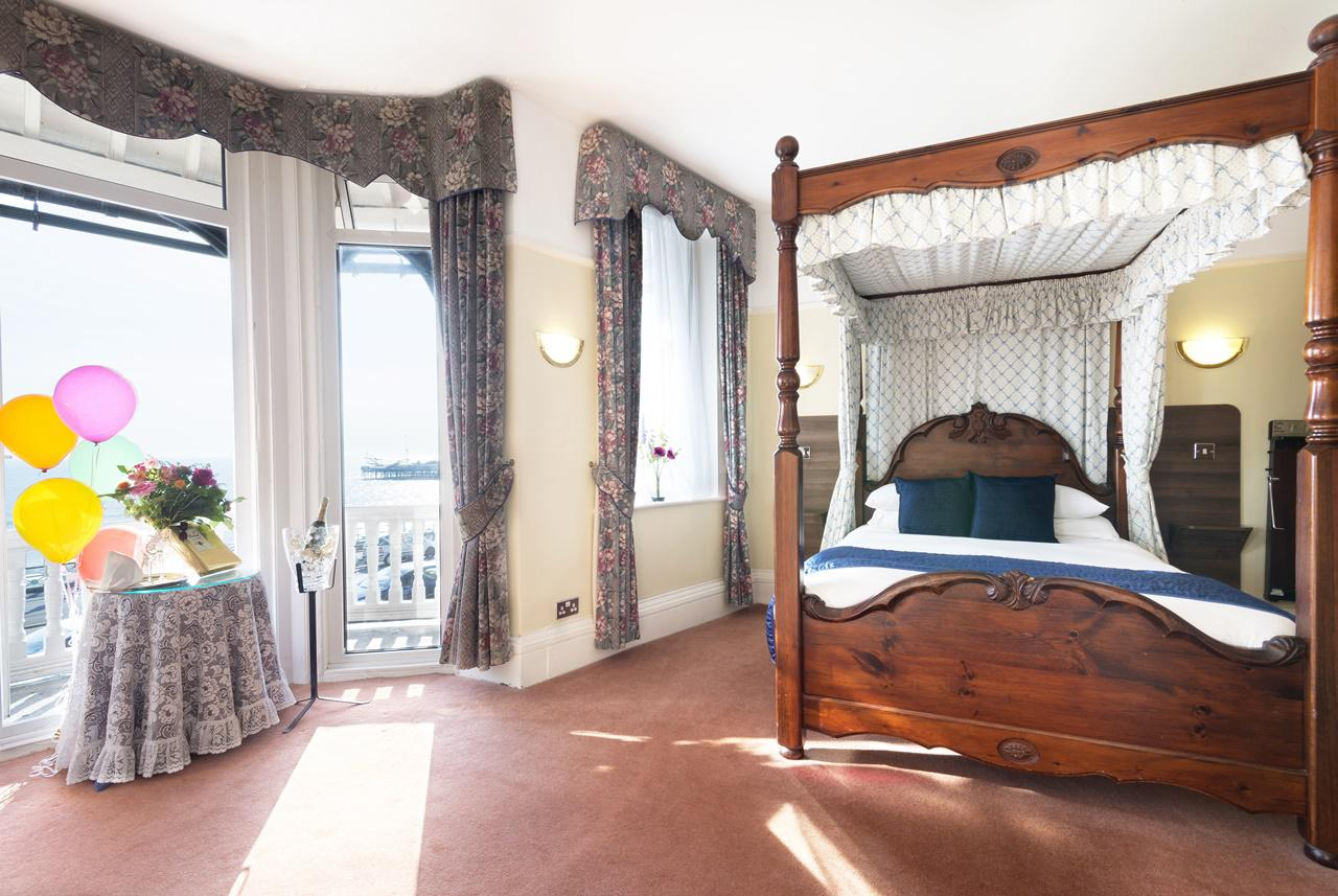 The Lanes Hotel Brighton Four Poster Room